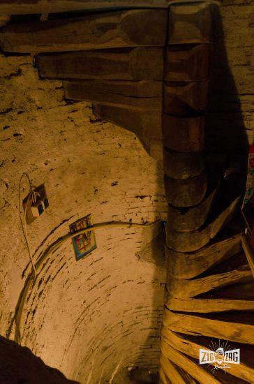 scari spre pod