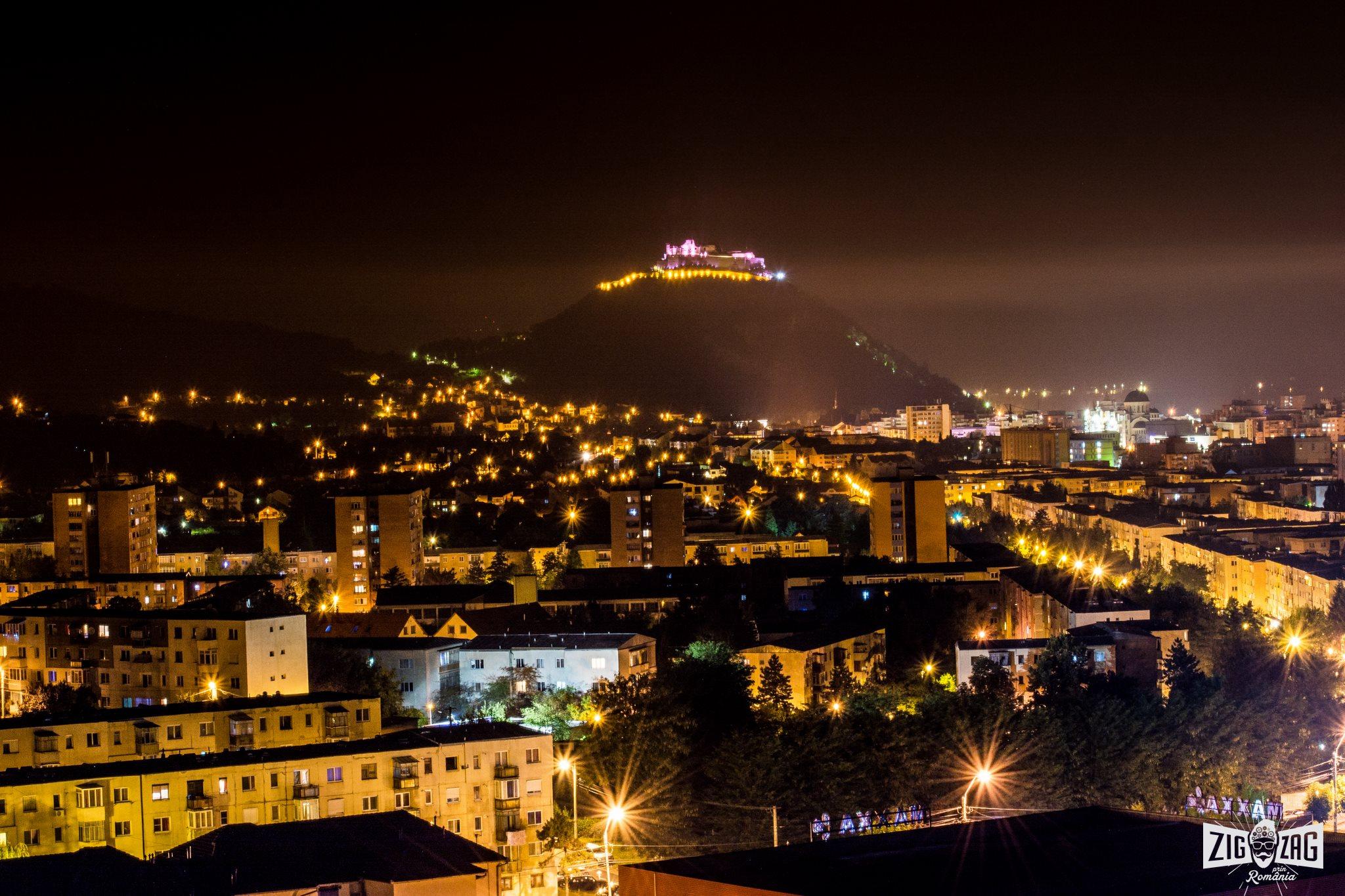 cetatea deva noaptea