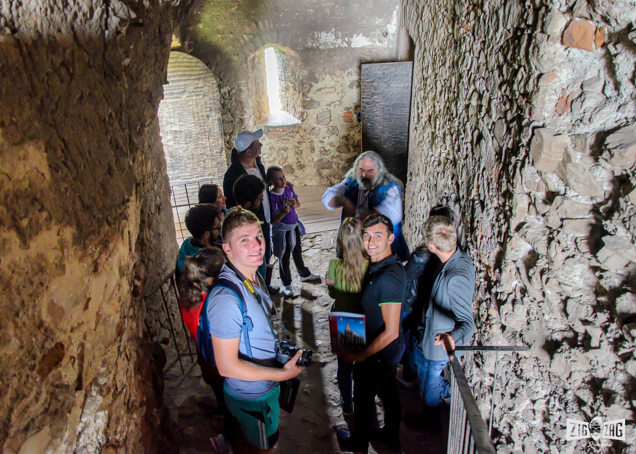 castelul corvinilor interior vizita