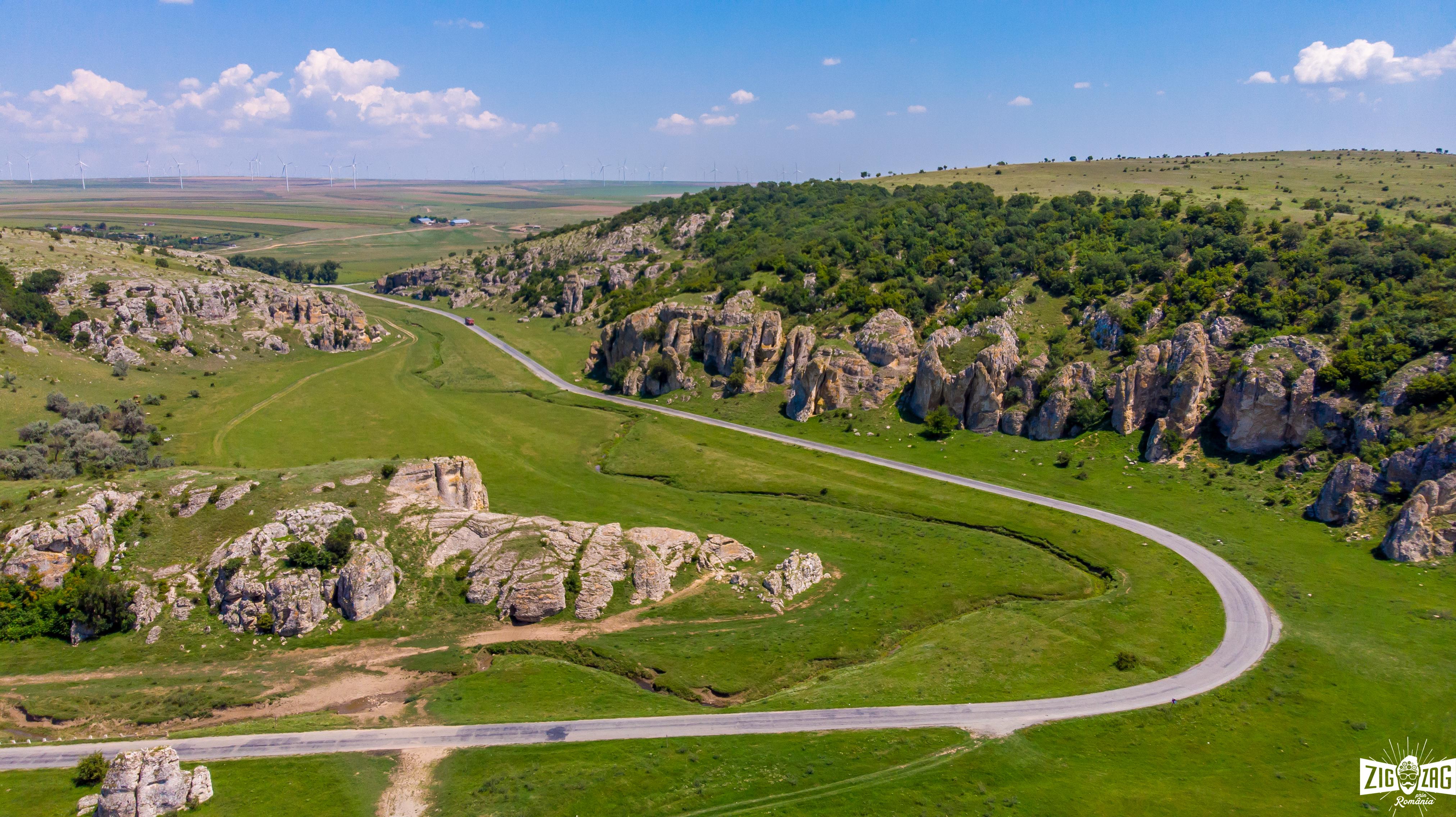 Cheile Dobrogei și Mănăstirea Casian Poftiți E Deschis