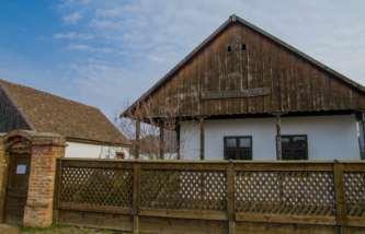 Un tezaur prețios într-o casă țărănească: Muzeul Orășenesc de Istorie și Etnografie din Valea lui Mihai