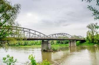 Liantul de peste Mureș – Vechiul pod din Lipova